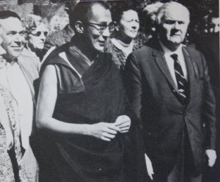 Hugh Lynn Cayce with the Dalai Lama